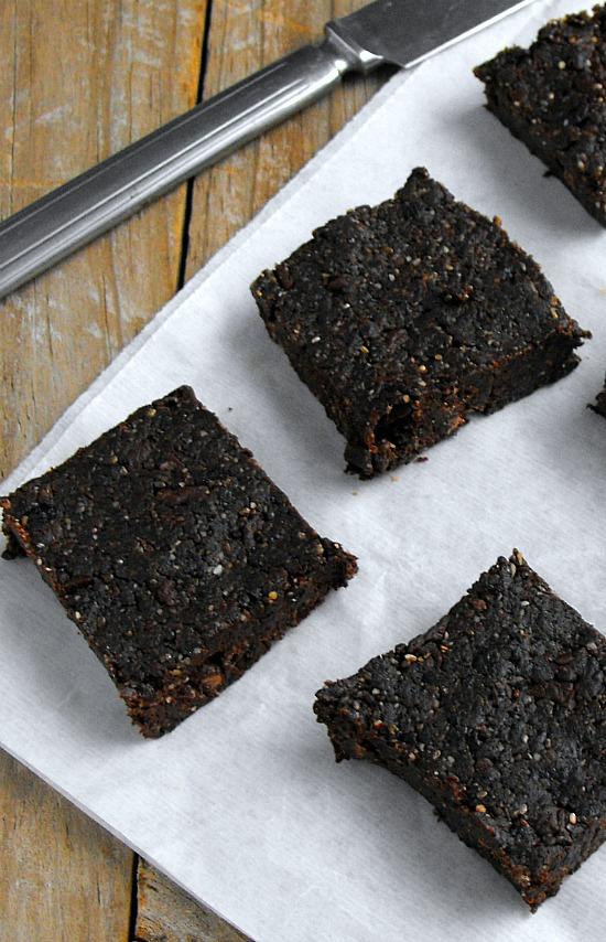 Vegan Prune Energy Bars Packed with Iron